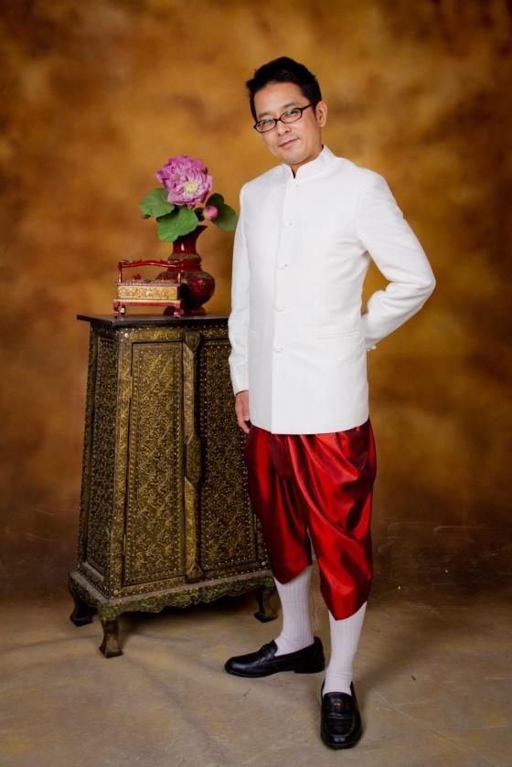 ชุดไทยชาย ใส่แล้วดูดีมากๆเลยค่ะ ^^
